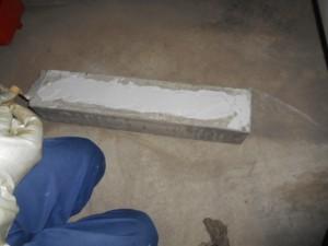 接着剤塗布作業(1)